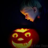 pompoen snijden voor halloween