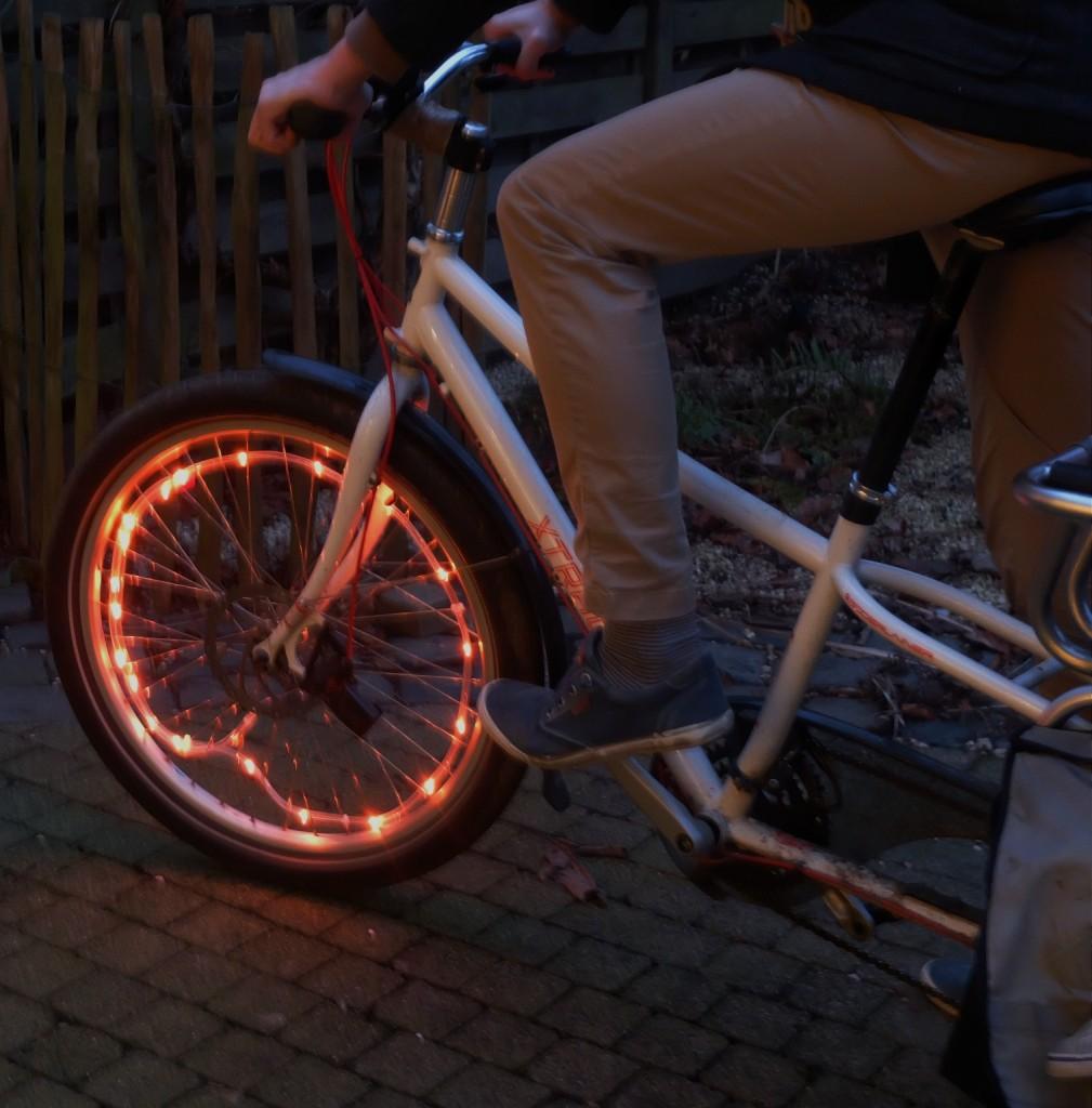 veilig op de fiets: fietswielverlichting zichtbaarheid