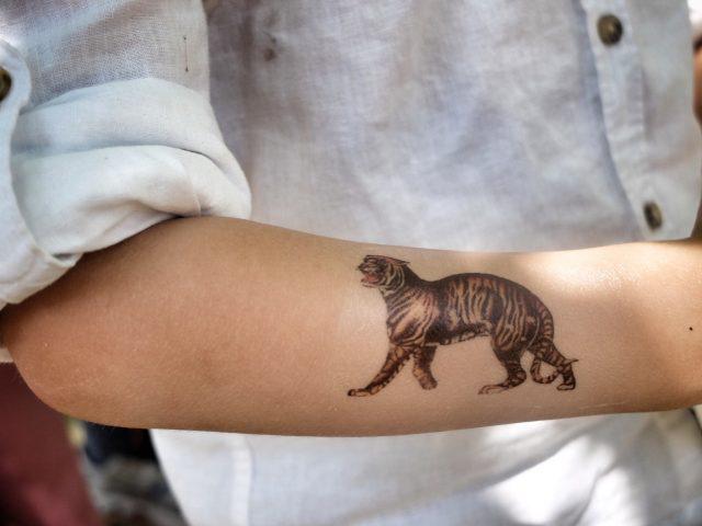zelf plak tattoo maken met tattoopapier
