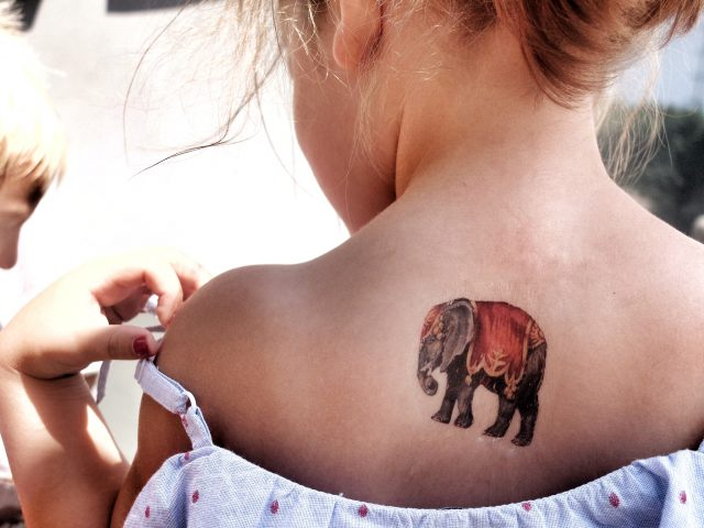 fake tattoo zelf maken met tattoopapier