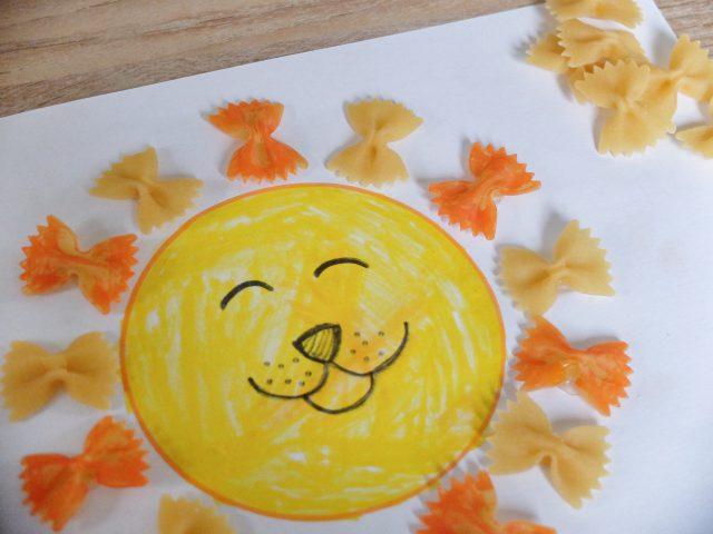 Knutselen met pasta, farfalle / vlinderspaghetti