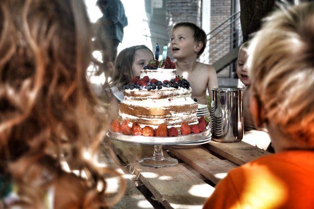 verjaardagsfeest stapeltaart zelf maken