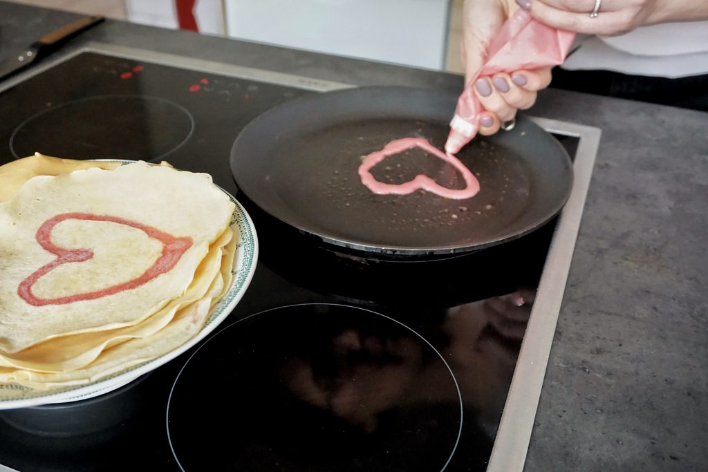 pannenkoeken met hartjes voor valentijn